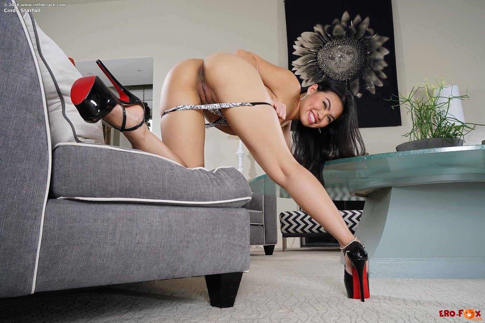 video-erotika-na-kablukah