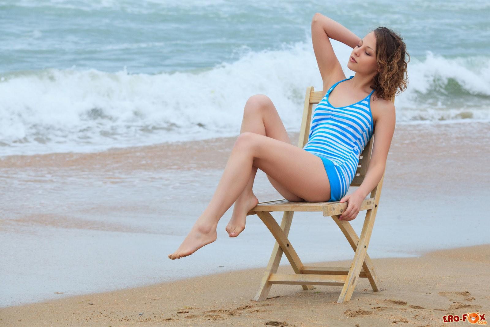 Крым пляж девушка эротика