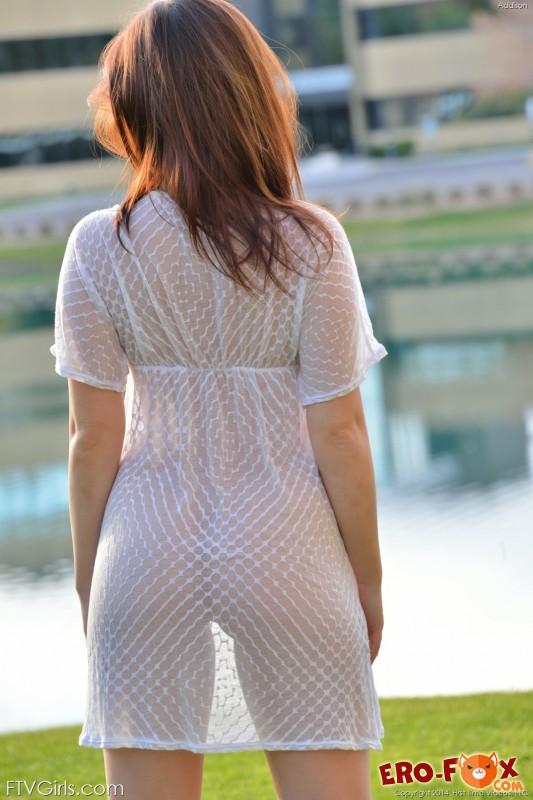 В прозрачном платье на улице видео разочаровался
